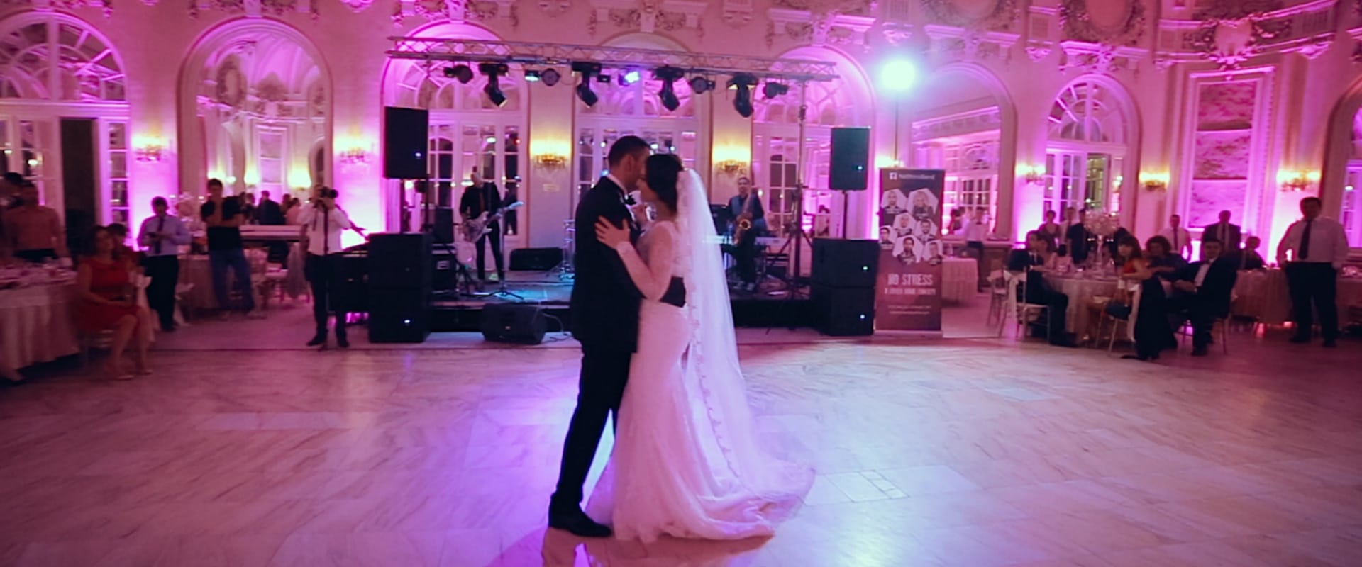 First dance in Casino Sinaia during a wedding